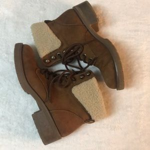 Mossimo Supply Co. Brown fleece lace up boots 7.5